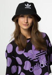 adidas Originals - BUCKET HAT UNISEX - Cappello - black/ white - 1