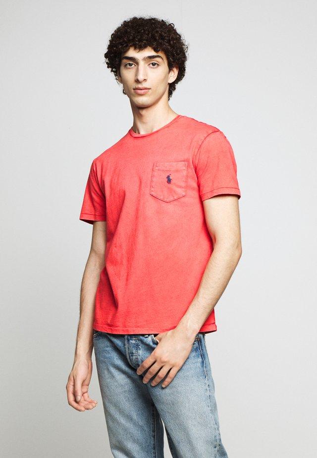 SLUB - Basic T-shirt - new brick