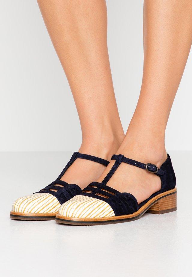 YUNA - Classic heels - sun/nuit