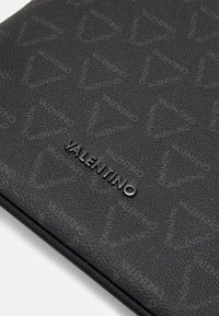 Valentino Bags - LIUTO CROSSBODY - Across body bag - nero - 4