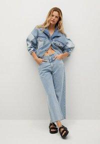 Mango - JULIETA - Relaxed fit jeans - middenblauw - 1