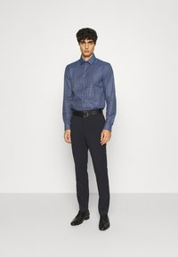 Calvin Klein Tailored - SMALL CHECK EASY CARE SLIM - Formal shirt - blue - 1