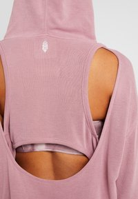 Free People - BACK INTO IT HOODIE - Luvtröja - pink - 6