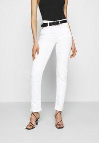 Marks & Spencer London - SIENNA - Džíny Straight Fit - white denim - 0