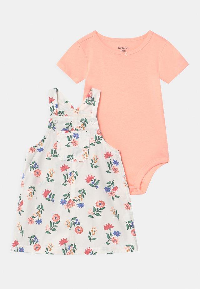 SHORTALL FLOR SET - T-shirt basic - white/light pink