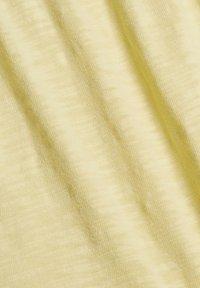 edc by Esprit - Shorts - light yellow - 12