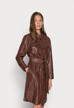 IBEN DRESS - Skjortekjole - cinnamon