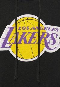 Mitchell & Ness - NBA LOS ANGELES LAKERS WORN LOGO HOODY - Club wear - black - 5