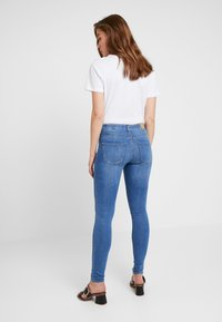 Gina Tricot - BONNIE - Jeans Skinny Fit - mid blue - 2