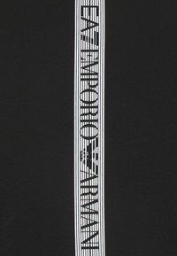 EA7 Emporio Armani - Print T-shirt - black - 2