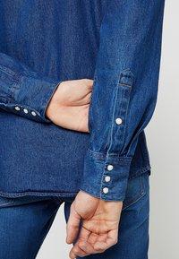 Wrangler - Shirt - blue denim - 5