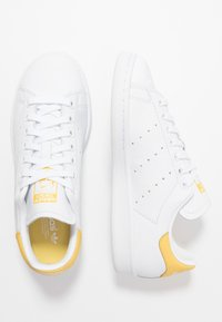 adidas Originals - STAN SMITH - Matalavartiset tennarit - footwear white/core yellow - 3