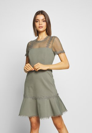 STEPHS PONTE DRESS - Žerzejové šaty - khaki