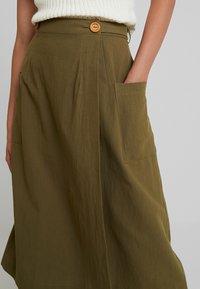 Louche - ARI - A-line skirt - khaki - 4