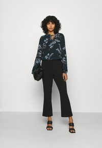 b.young - BYHENNA BLOUSE - Blouse - deep teal mix - 1
