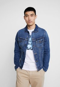 Jack & Jones - JJIALVIN JJJACKET - Denim jacket - blue denim - 0