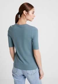 KIOMI - Basic T-shirt - petrol - 2