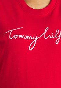 Tommy Hilfiger Curve - GRAPHIC - Sweatshirt - red - 5