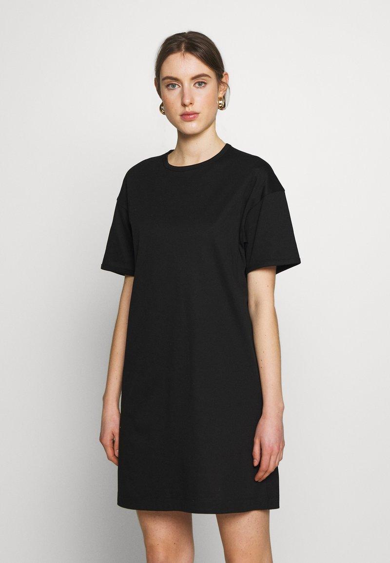 Filippa K - MADDIE DRESS - Žerzejové šaty - black