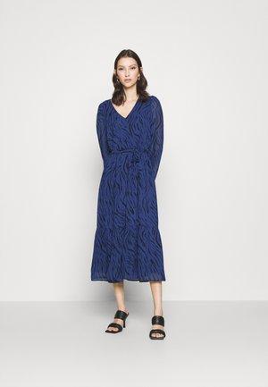 VINOELLEZEBBA MIDI DRESS - Denní šaty - patriot blue