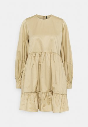 SHORT DRESS WITH GATHERED TIERED SKIRT - Day dress - beige