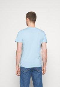 Lyle & Scott - T-shirt - bas - pastel blue - 2