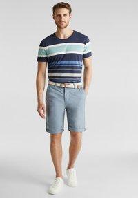 Esprit - MIT GÜRTEL - Shorts - grey blue - 1