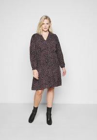 Vero Moda Curve - VMTANJA V-NECK SHORT DRESS - Day dress - black - 0