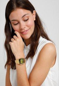 Casio - COLLECTION RETRO  - Digital watch - rosé - 1