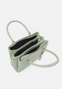 ALDO - PINKA - Käsilaukku - bok choy - 2