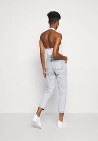 Miss Selfridge - FRILL POCKET MOM  - Jeansy Relaxed Fit - light blue - 2