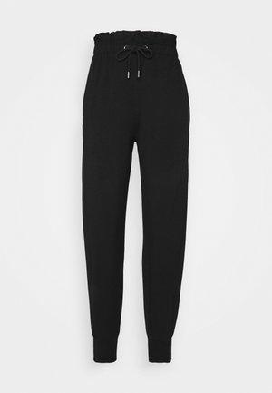 ONLPETRA PAPERBAG PANT - Pantalones - black