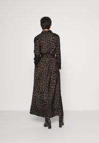 Banana Republic - MAXI SHIRTDRESS  - Maxi šaty - leopard - 2