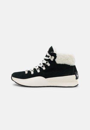 OUT N ABOUT™ III CONQUEST - Šněrovací kotníkové boty - black/sea salt