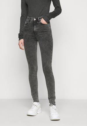 Skinny džíny - dark grey denim