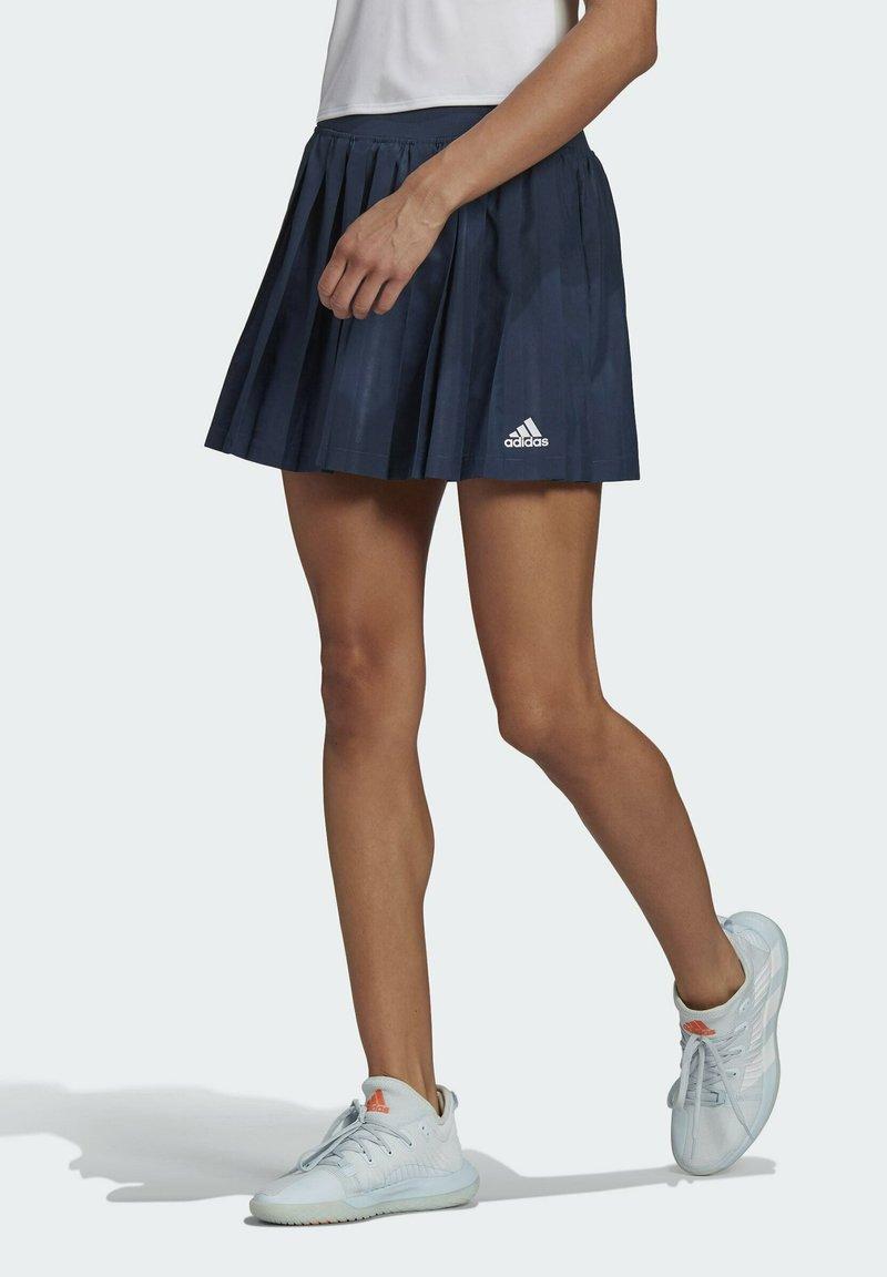 adidas Performance - CLUB PLEATSKIRT TENNIS AEROREADY PRIMEGREEN REGULAR SKIRT - Urheiluhame - blue