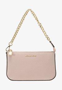 JET SET MEDIUM CHAIN POUCHETTE - Handbag - soft pink