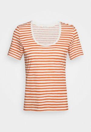 SHORT SLEEVE ROUND NECK - T-shirt z nadrukiem - multi/sunbaked orange