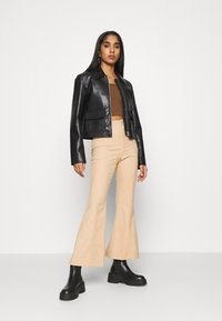 Monki - SAY - Linne - brown - 1