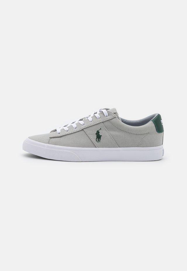 SAYER UNISEX - Sneakersy niskie - soft grey/green