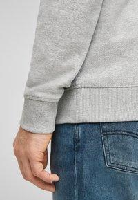 QS by s.Oliver - IM MELANGE-LOOK - Sweatshirt - grey melange - 5