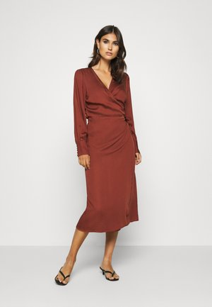SC-GESINA 10 - Day dress - brick