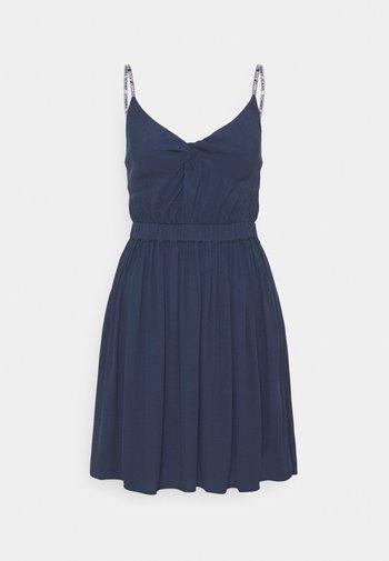 ESSENTIAL STRAP DRESS