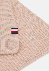 Tommy Hilfiger - EFFORTLESS SCARF - Scarf - pink - 2
