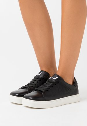 SQUARED SHOES  - Tenisky - black