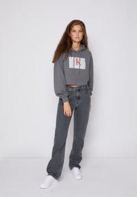 Calvin Klein Jeans - HIGH RISE STRAIGHT - Straight leg jeans - denim grey - 3