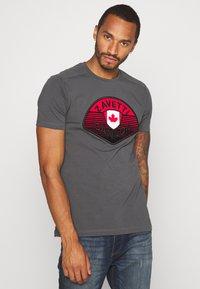 Alessandro Zavetti - CANADA BOTTICINI  - Print T-shirt - grey - 0