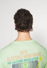 YOURTURN - UNISEX - Print T-shirt - green - 6