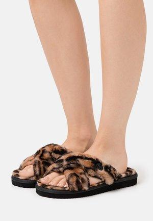 LALA - Domácí obuv - natural