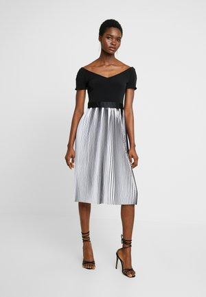 Denní šaty - schwarz